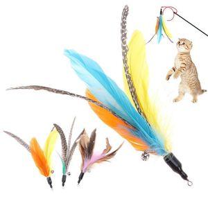 5 unids / lote aleatorio colorido gato juguetes de gato de plumas cabeza de reemplazo interactivo entrenamiento de entrenamiento de plumas recarga gato varita mascota Products