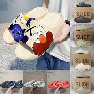 dibujos animados Kanye Diapositivas Negro resina blanca para mujer para hombre del deslizador de espuma Verano Diseñador sandalia sandalias de los holgazanes pantoufle