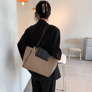 Fashion Qianniaoge Bag for Women Autumn   Winter 2020 New Fashion Net Red Lattice Tote Bag Korean Canvas Shoulder Bag