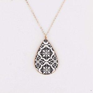 Barockstil Textured Leder Teardrop Anhänger Lange Marokkanische Halskette in Gold Rücken Für Frauen Print Leder Halsketten Urlaub Schmuck