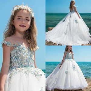 Ballgown Flower Girls Dresses 2019 Cap Sleeves Sweep Train Lace Appliques Tulle First Communion Dress for Little Girl Illusion Neckline