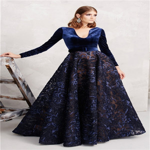Winter Mother Dresses Elegant Velvet Long Sleeves Formal Wedding Guest Gowns Luxury Appliqued Lace Custom Made Sweep Train Party Gowns