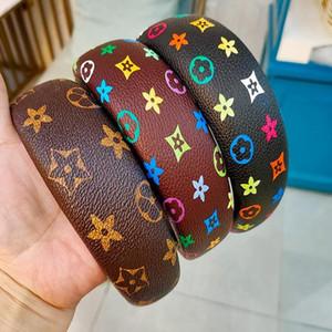 2021 Retro Einfaches Temperament Korean Leder Farbbrief Drucken Plaid Designer Buchstaben Druck Stirnband Frauen Klassische Modeknoten Haarbänder