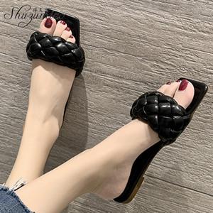 Shuzumiao Zapatos de mujer Sippers 2020 verano nuevo cuadrado del dedo del pie PU damas tejidas Diapositivas color sólido cómodo departamento femenino de la playa zapatos X1020