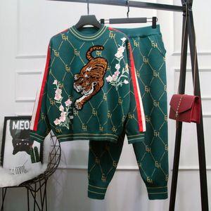 Otoño 2020 Nuevas mujeres bordadas tigre suelto knit suéter abrigo pantalones de dos piezas conjunto BKX9