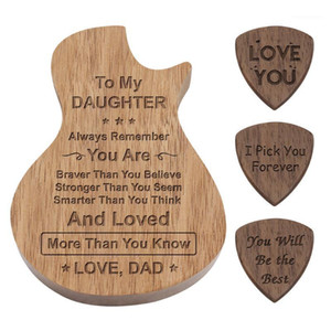 Kişiselleştirilmiş Gitar Picks Ahşap Pick Kutusu Tutucu Kollektörü Ile 3 adet Ile Ahşap Seçtikleri Gitar Aksesuarları Parçaları Hediye Müzik Kutusu1