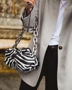 yeni gelen! Ünlü Tasarımcı Marka Leopar Baskı Yumuşak Deri Bayan Çanta Büyük Metal Zincir Bayan Çanta