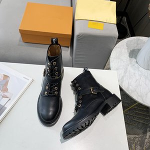 2021 Hot Selling Ladies Flat Boots Black Calfskin Combat Boots Fashion Martin Boots Low Top Platform Shoes High Quality Dress Shoes yg1111