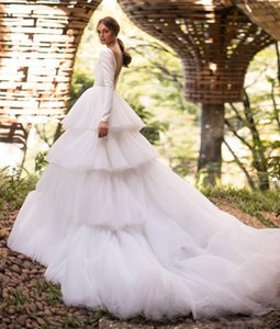 Gorgeous Backless Long Sleeves Wedding Dresses A Line Sheer Deep V Neck Tiered Bridal Gowns Tulle Sweep Train robe de mariée