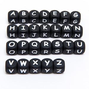 Perles de la lettre de silicone 12mm de qualité alimentaire noir en silicone alphabet perles bracelet bricolage fabrication d'accessoires Garnitures pour enfants