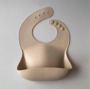 Silikon Bibs Bebek Besleme Tükürük Havlu Katı Su Geçirmez Yumuşak Yeme Bandana Hafif Bebek Önlükleri Önlükleri Ayarlanabilir Önlükler Apron ZZC5537