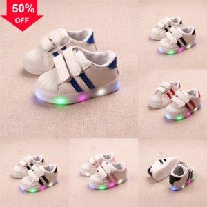 Hohe Kleinkind Kinder Kinder Baby LED LAS LIGHT SHOE LED Beleuchtet Felchen Eine Beleuchtungssohlen Weiß Silber Metallic Gold Turnschuhe Schuhe Top ENER