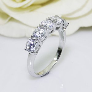 2.0CTW Round Cut DF Color Moissanite Center,14K Solid White Gold, Female Gold Ring,Wedding Ring,Pave Set Style Y1124