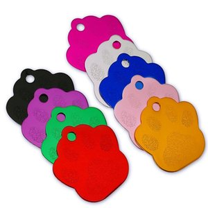 20 шт. / Лот собака лапы ID Tag Custom Custom Pet Dog Cat Cat Access Accessories Personalized Dog Name Number Теги Теги выгравированы SQCunk