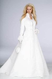 New Arrival Winter Bridal Dresses 2021 feather two pieces Floor Length Long Sleeve Warm Coat outdoor Wedding Dress