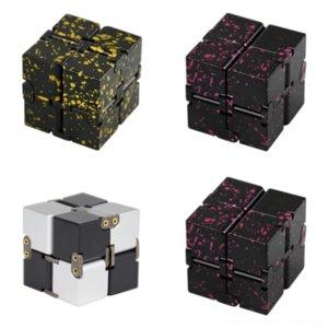 EDQCX CSDouble Play Rubik의 감압 큐브 아동의 Rubik의 금속 알루미늄 합금 및 부모 무한한 참신 큐브 교육용 큐브