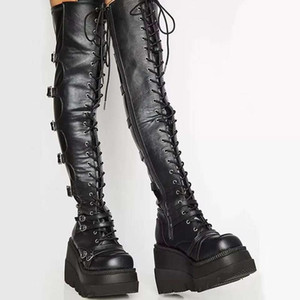 Marka Tasarım Kadın Yüksek Platformu Uyluk Yüksek Çizmeler Moda Toka Punk Topuklu Çizmeler Kadın Cosplay Takozlar Ayakkabı Kadın
