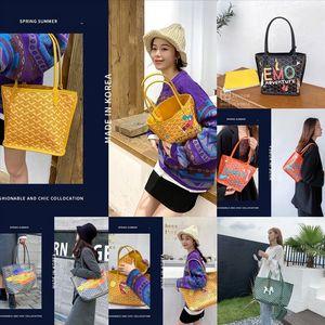 rDW Korea EMQ dog tooth o graffiti Goya 2020 new fashion Korean designer Handbag handbagHandbag luxury small CK net red vegetable Graffiti