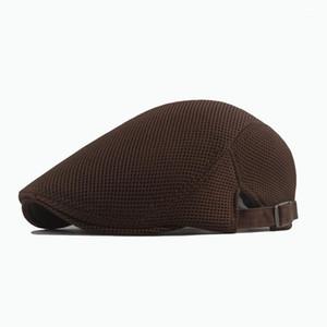 Verão Hollow Mesh Beret respirável Sun Hat Mulheres Coreano Moda 2020 Homens Sólida Cor Tampão Forward Hat1