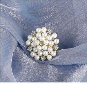 Pearl Rhinestones Glitter Napkin Rings Metal Carved Bow Buckles Serviette Holder Wedding Party Restaurant Banquet Ho qylJDV