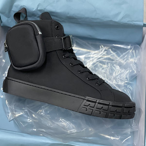 Luxurys Mens Designer Triangle Nylon High Top Sneakers avec sacs Femmes Formateurs de combat White Noir Chaussures plates à lacets avec boîte 260