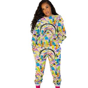 Womens Cartoon Tubarão Traksuit Designers Hoodie e Calças Conjunto de Camuflagem Tubarão Face Outfit 2 Piece Sweatsuit Outono Inverno Sportsweare113303