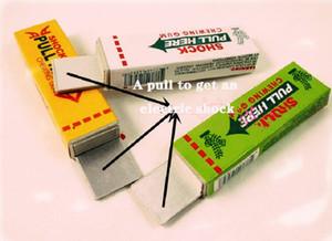 Prettybaby April Fools 'Day Day Tricky Toys Shock Elettrico Chewing Gum Toy Tools Strumenti di scherzo 3 colori casuali