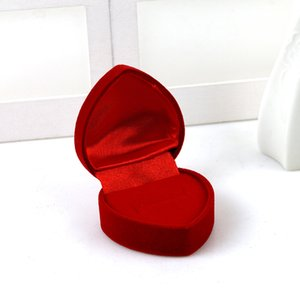 Boîte à bijoux de coeur rouges Heart Boîte Flanelette Bague Coque Célébration de mariage Fournitures de mariage Conteneur d'oreilles Conteneur de cadeau Livraison Gratuite 1 2HYA F2