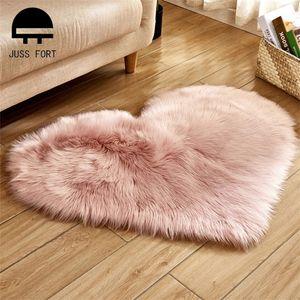 16 Color 40*50cm 70*90cm Love Heart Rugs Artificial fur Sheepskin Hairy Carpet Bedroom Living Room Decor Soft Shaggy Area Rug 201225