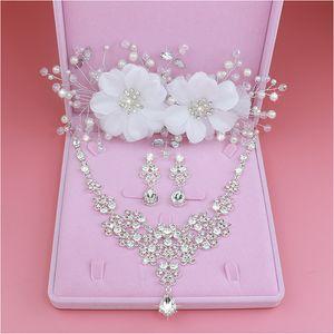 Design Moda Flor Cristal Brincos Noiva 3 PCS Colares Coroas Tiaras Nupcial Do Casamento Conjuntos de Joias Acessorios Q1123