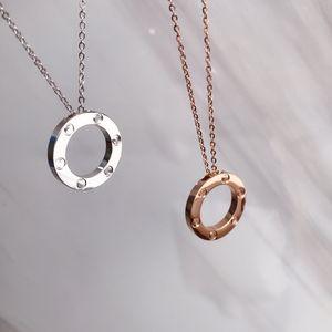 Collar de anillo de joyería de acero inoxidable de lujo Año Nuevo Six Nails No Diamond Love Necklace Colgante Luxury Wild Fashion Perfect Dos colores