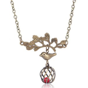 Retro Bronze Pendant Birdcage Bird Necklace Fresh Style Women Sweater Chain Accessories Birthday Gifts Wholesale Jewelry NT3591