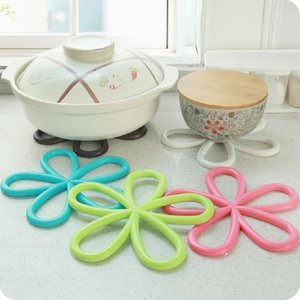 Anti-slip Bowl Mat Solid Heat Insulation Saucepan Cushion PVC Simple Style Lovely Plum Blossom Cup Mat PPD3455