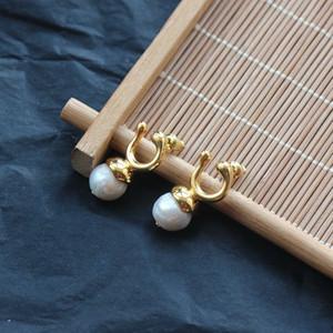 Elegant earrings U-shaped natural pearl pure copper gold-plated earrings women's textured earrings