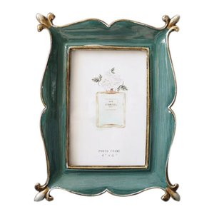 1Pcs Resin Blackish Green Photo Frame Photo Frame with 1Pcs 3D Gold Round Metal Candlestick Wall Candle Holder Geometric Tealigh