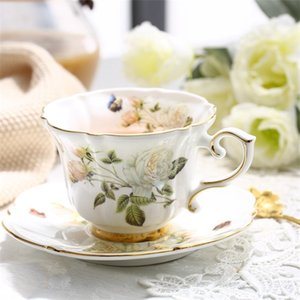 Boreal Europe Style Bone China Porcelain Coffee Cup Pastoral White Rose English Afternoon Teacup Cup and Saucer Set Gift Box Y1124