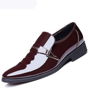 2020 Men's Dress Shoes Suits Slip On Shoes Fashion Men's Office Leather Moccasin White Flash Formal Men's Pointed Wedding Shoes