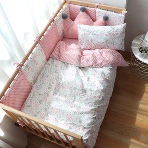 Lit de literie pour bébé pour nouveau-nés Ensemble de berce de coton doux avec pare-chocs pour fille Linge de lit pour enfant bébé décor de pépinière sur mesure Q0111