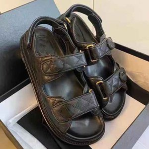 2021 - Luxo New Crystal Bezerro Couro Quilted Platform Sandals Designer Sandálias Flat 35-41 com caixa