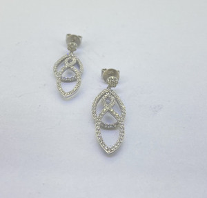 UUE Jewelry white cubic zirconia rhodium over silver earrings good-looking simple and generous exquisite temperament silver earrings