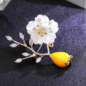 Natural Branco Shell Flor Brooches De Casamento Para Mulheres Camisa Vestuário Acessórios, Elegante Cristal Broche Melhores Amigos Jóias