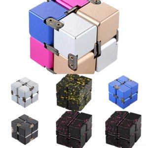 QIMMD 펜던트 목걸이 감압 무한 Nevelty Cube The By 2 Metal Silver Cube Rubik 's Rubik's Cube Crystal Necklace 2 최고의 선물