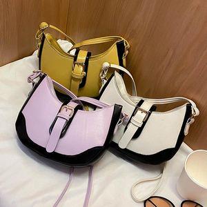 Designer di lusso Donne Borsa a tracolla Lady Fashion Solid Solid Sudder Borsa in pelle Casual Messenger Handbag Femmina Purple Half Moon Borse
