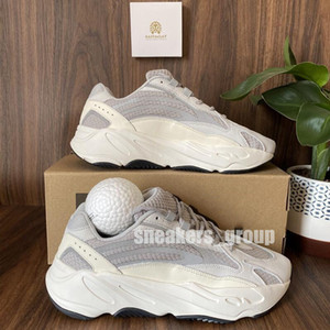 Top Quality 2021 Kanye West Course Shoes 700 V2 Inertia Reflectif Tephra Solid Grey Utility Black Vanta Hommes Femmes Sports Sports Sports avec boîte