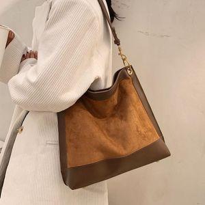 Матовая кожа Женщин Сумки на ремне Винтаж женская большая сумочка большая емкость 2021 тенденция бренда путешествия повседневные сумки женские