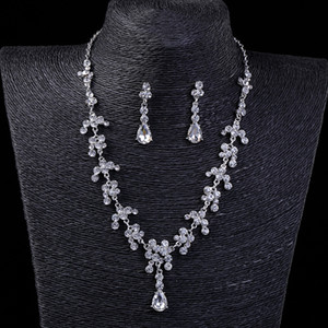 Vintage Two Pieces Jewelry Sets 2021 Luxury Drop Earrings Necklaces Bridal Necklace Hot Sale Cheap Wedding Bridal Accessories