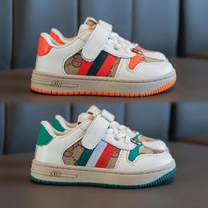 Дети дизайнерские туфли роскошный шаблон скейтборд обувь мода печать младенцев первые ходунки девушки мальчики кроссовки 2 цвета