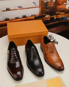 18SS designers Nova chegada homens sapatos formais escritório negócios vestido de casamento sapatos Oxfords Bullock Design Handmade couro sapatos tamanho grande