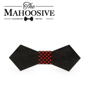Mahoosive Solid Wooden Necktie Mens Body Trajes de boda de madera Pie1