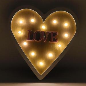 Luz de pared de madera Sconence Love Heart Butterfly LED Luz cálida Lámpara Noche Operada con batería Decoración del hogar para la sala de estar del dormitorio